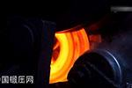 人工与自动化锻造法兰过程(工厂实拍)